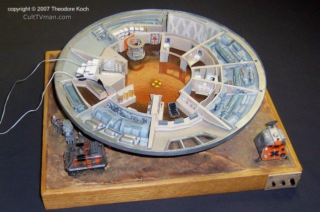 Ted Kochs Jupiter 2 Model CultTVman Fantastic Modeling