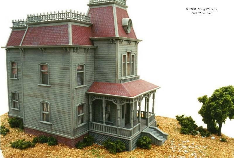 Polar lights psycho house model kit